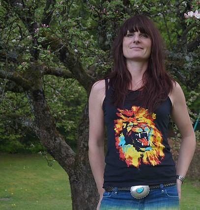 Gilliane Warzee t-shirt.jpg
