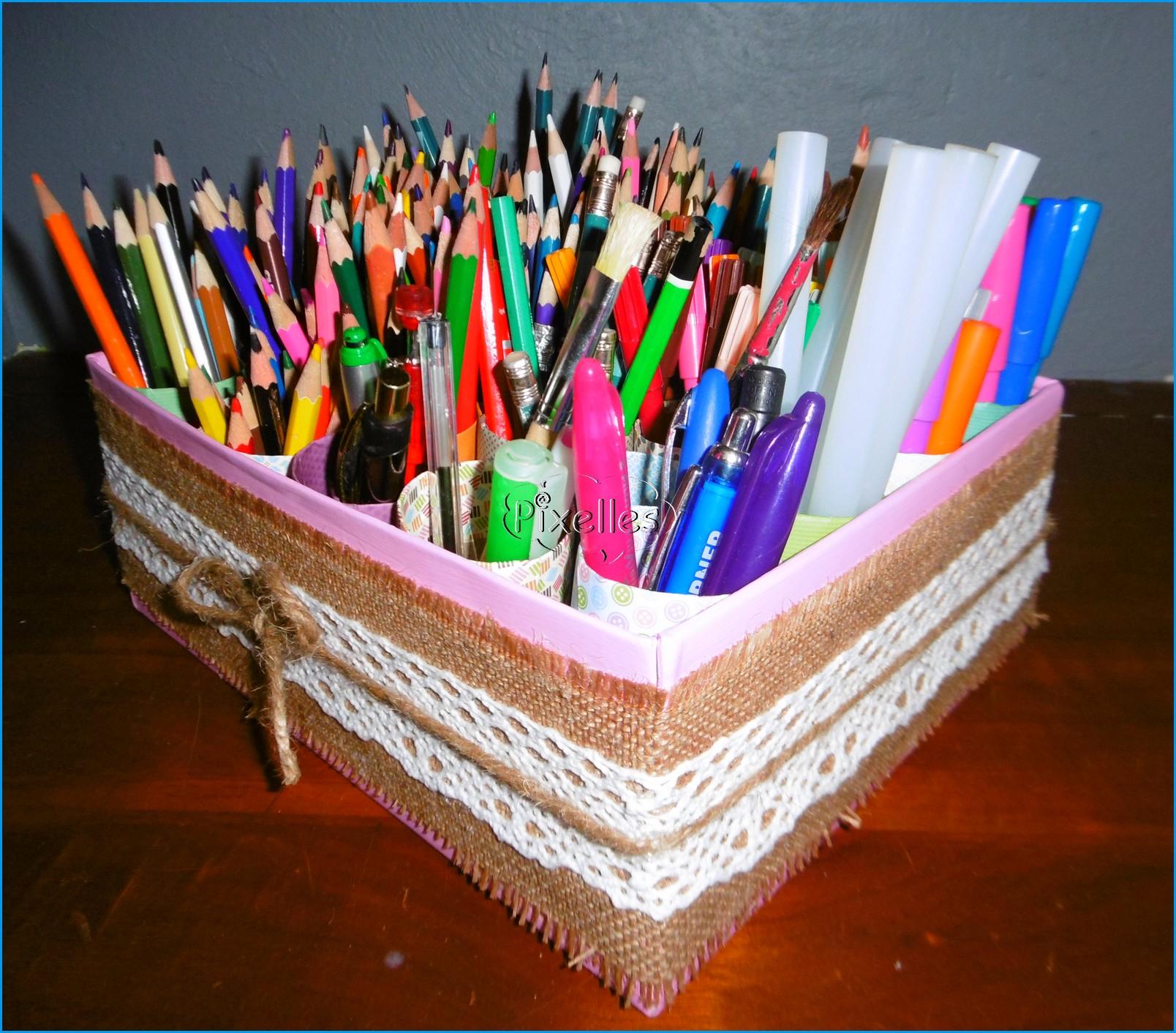 boite rose  a crayons  1.jpg