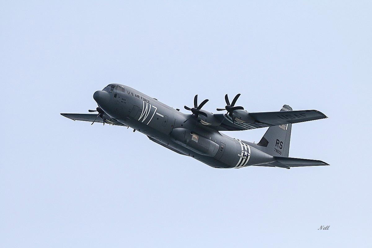 Lockheed-Martin C-130J Super Hercules.JPG