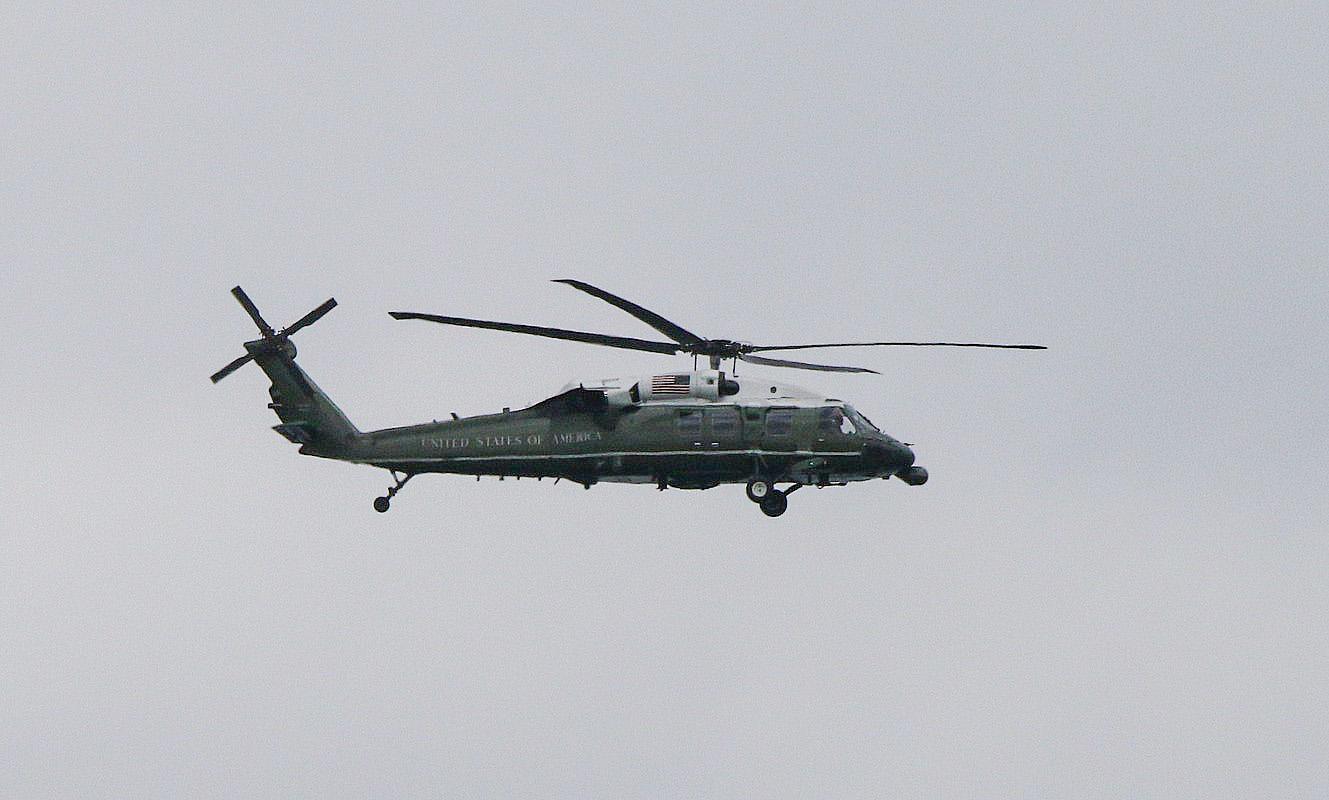 Sikorsky VH-60N Blackhaw (1).JPG