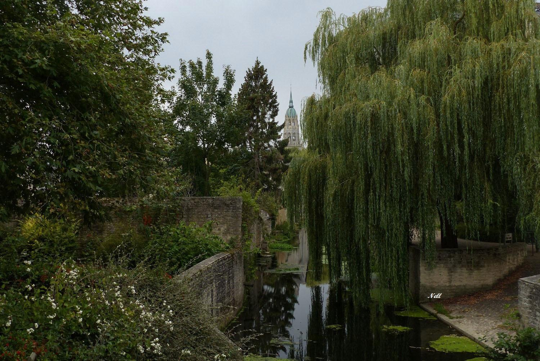 L Aure à Bayeux.JPG