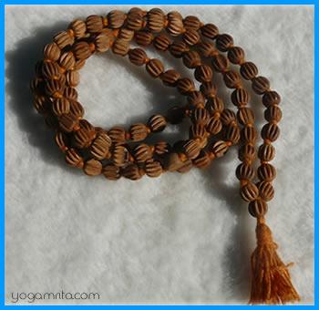 yogamrita_mala_108_perles.jpg