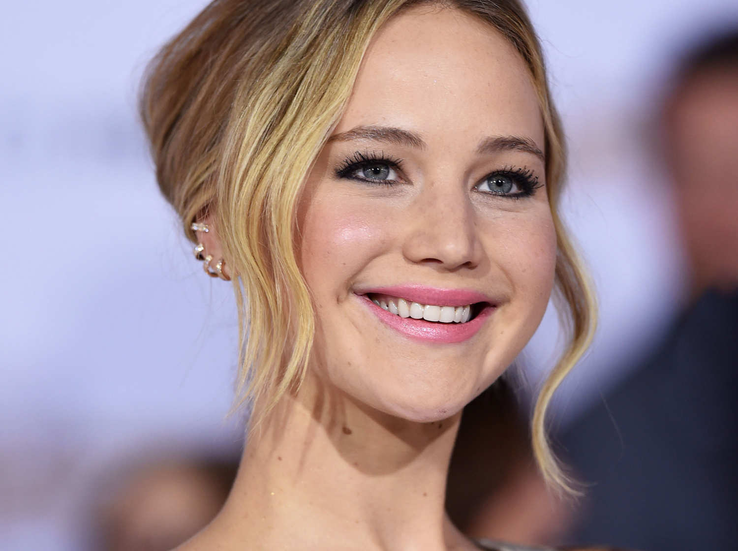 17-jennifer-lawrence-1_w750_h560_2x.jpg