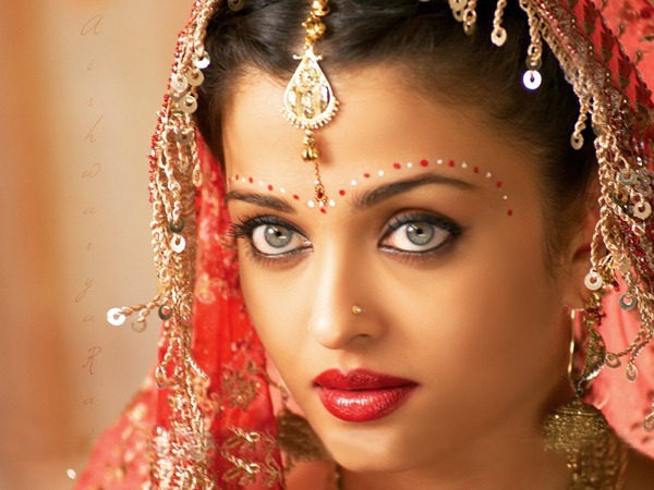 Aishwarya-Rai-Makeup-Secrets.jpg