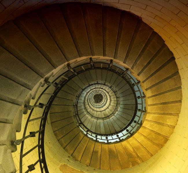 Le phare d'Eckmühl et son escalier à vis de 272 marches..