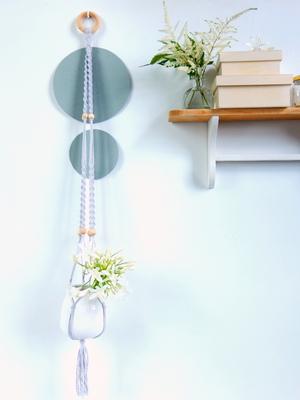 suspension en macramé grand format gris perle un-oiseau-dans-sa-bulle.com