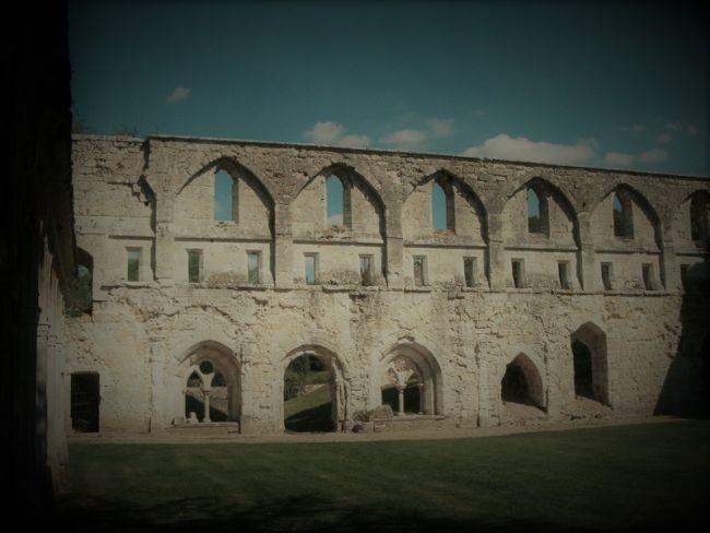 Abbaye, quelque part dans le nord ouest de la France