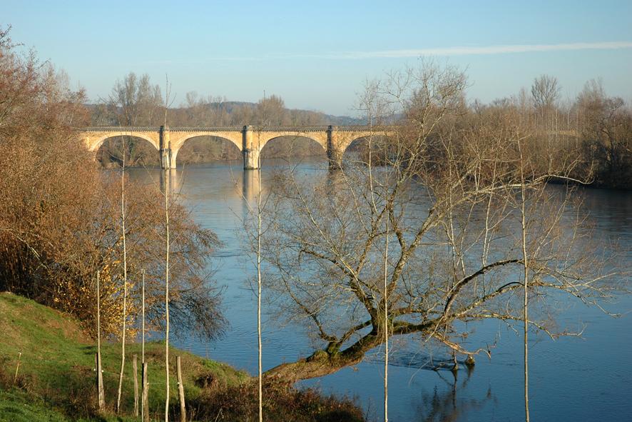 05 - Pont-viaduc de Limeuil.jpg