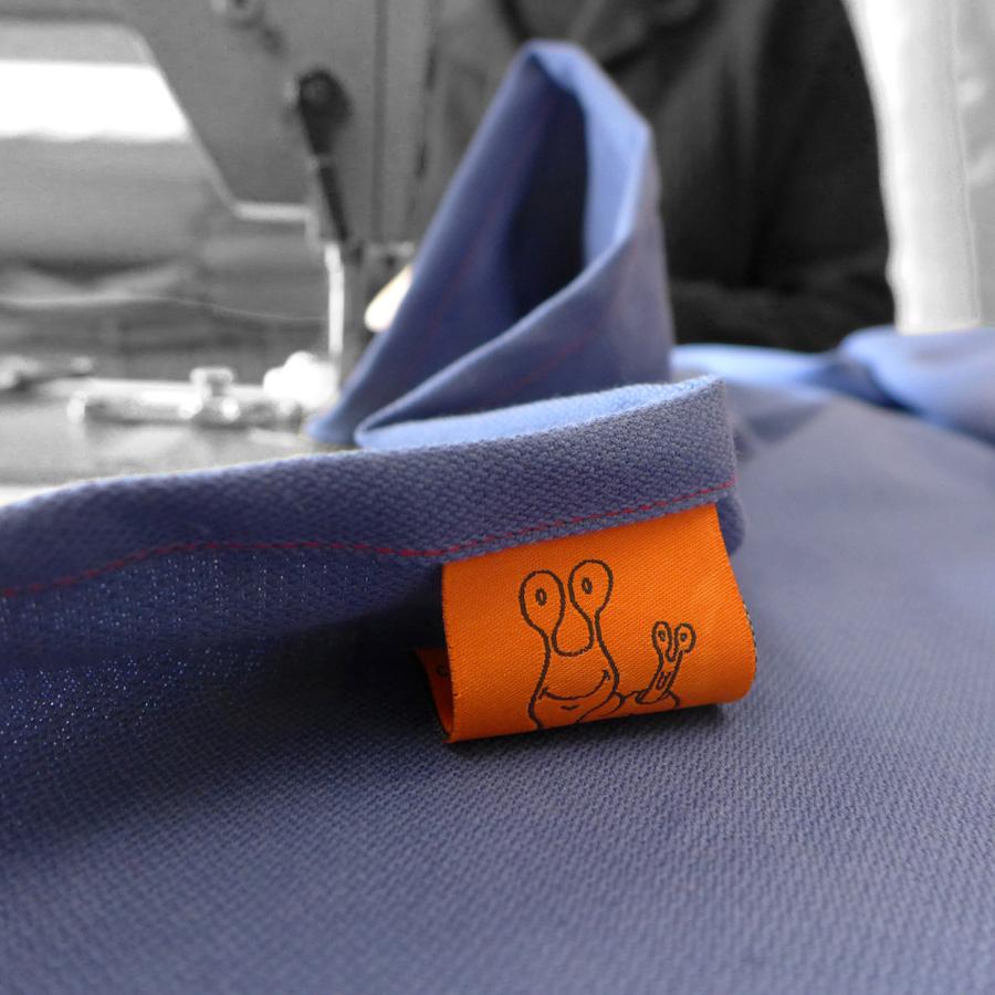 Tissu bleu étiquette-small.jpg