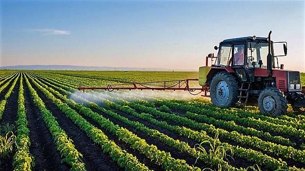 150917_pb1i6_pesticides-agriculture_sn1250.jpg
