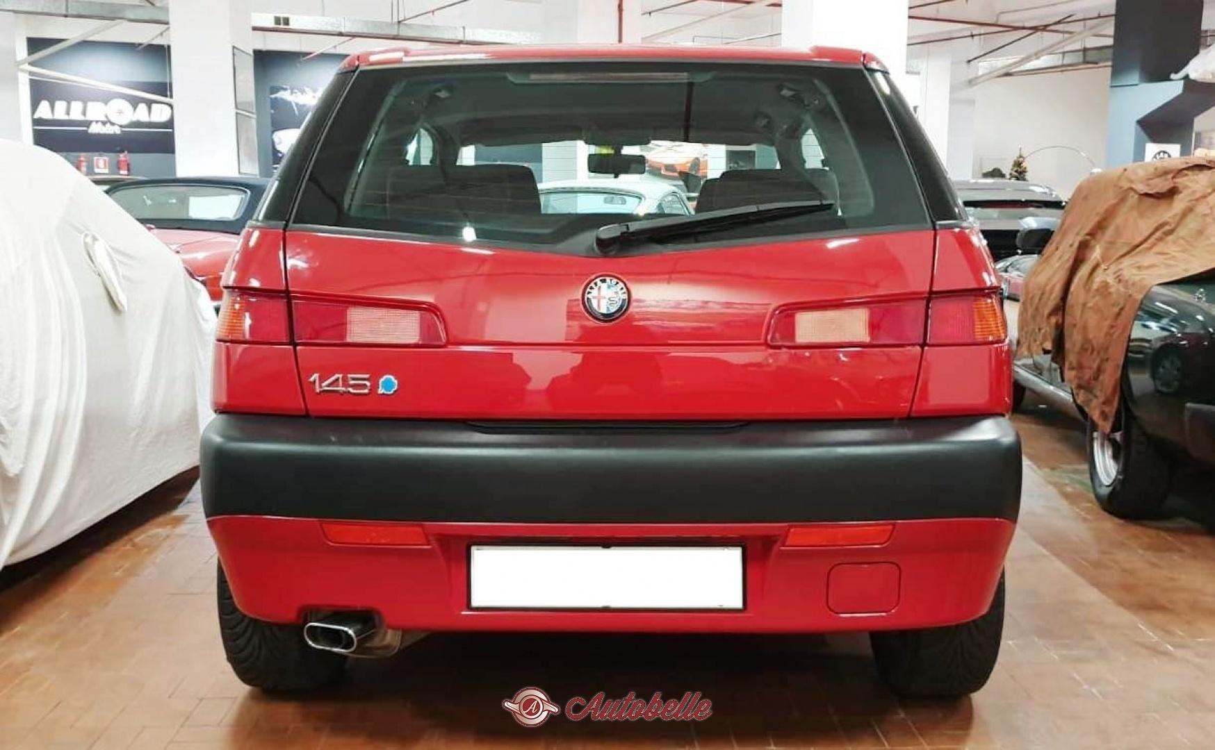 Alfa Romeo 145 Quadrifoglio Oro 2