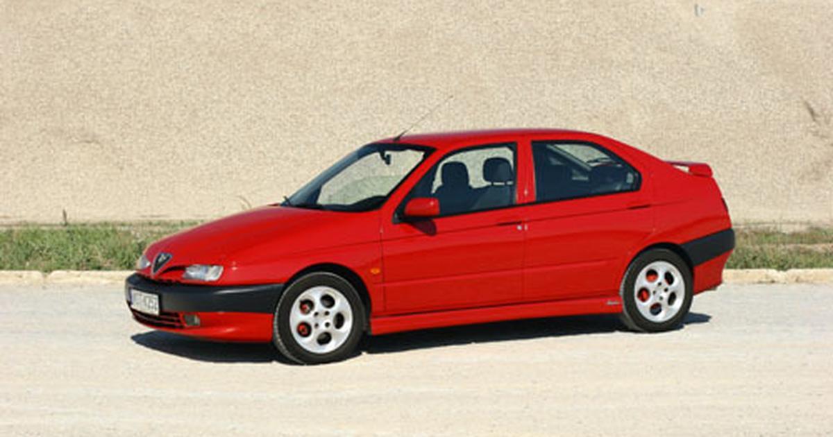 Alfa Romeo 146 1999 Auto-swiat