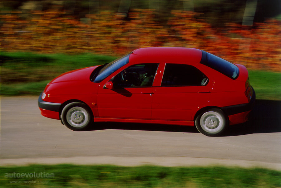 Alfa Romeo 146 1999 autoevolution com alfa-romeo-145146-1270_5