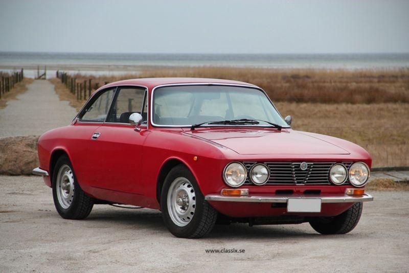 Alfa Romeo Giulia 1600 GT Junior 1975 classicdigest com 136536_cd4aea32342ac36d