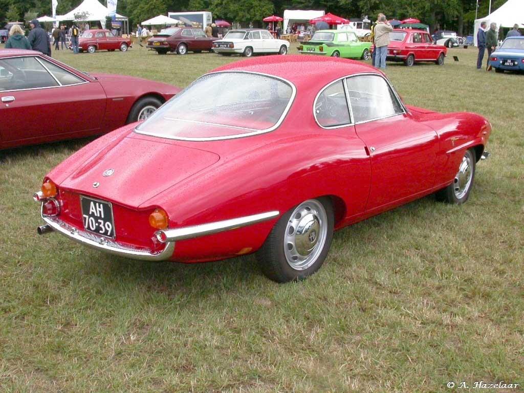 Alfa Romeo Giulia 1600 Sprint Speciale 1963 supercars net 1963_AlfaRomeo_GiuliaSprintSpeciale2
