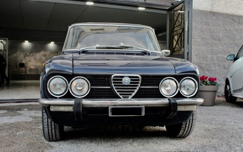 Alfa Romeo Giulia 1975 artebellum com 1975-alfa-romeo-giulia-1jw7u49uo-1-fb
