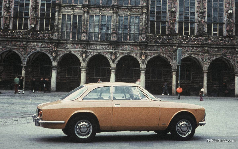 Alfa Romeo Giulia Coupe 1300 GT Junior 1966 7deb1114