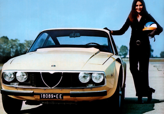 Alfa Romeo Giulia Coupé 1300 Junior1969 favcars com alfa-romeo_giulia_1969_pictures_1_b