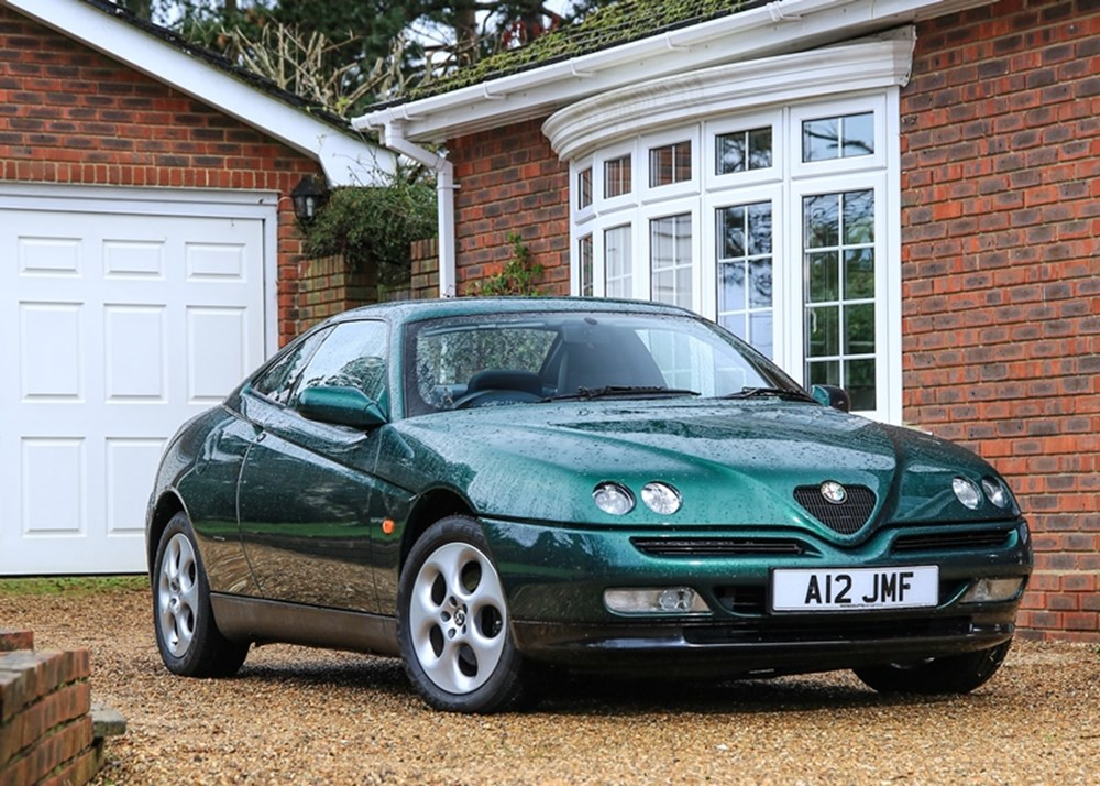 Alfa Romeo GTV 1999 historics
