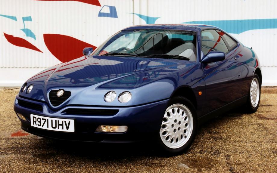 Alfa Romeo GTV UK 1995 carpixel
