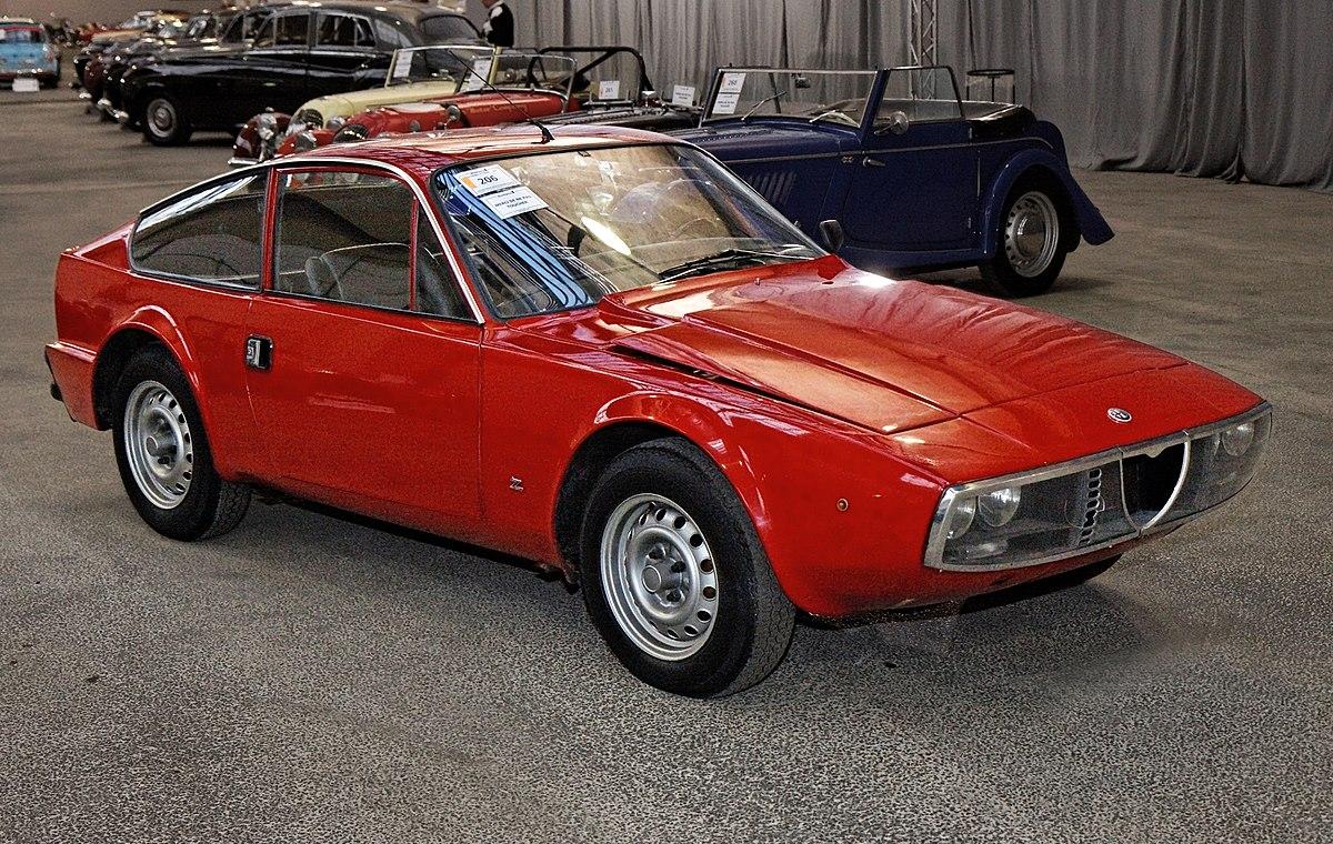 Alfa Romeo Junior Z 1975 bonhams-wikimedia org 1200px-Bonhams_-_The_Paris_Sale_2012_-_Alfa_Romeo_Junior_Z_-_1975_-_011