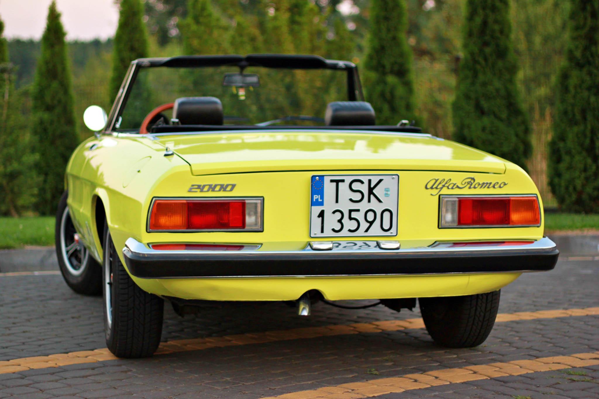 Alfa Romeo Spider Veloce 1975 gieldaklasykow pl alfa-romeo-spider-041