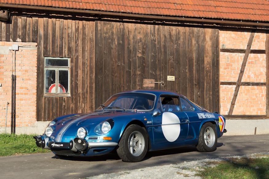 Alpine A110 1971 motortrend com 1971-Renault-Alpine-A110-1600S-Petrolicious-front-three-quarter-03