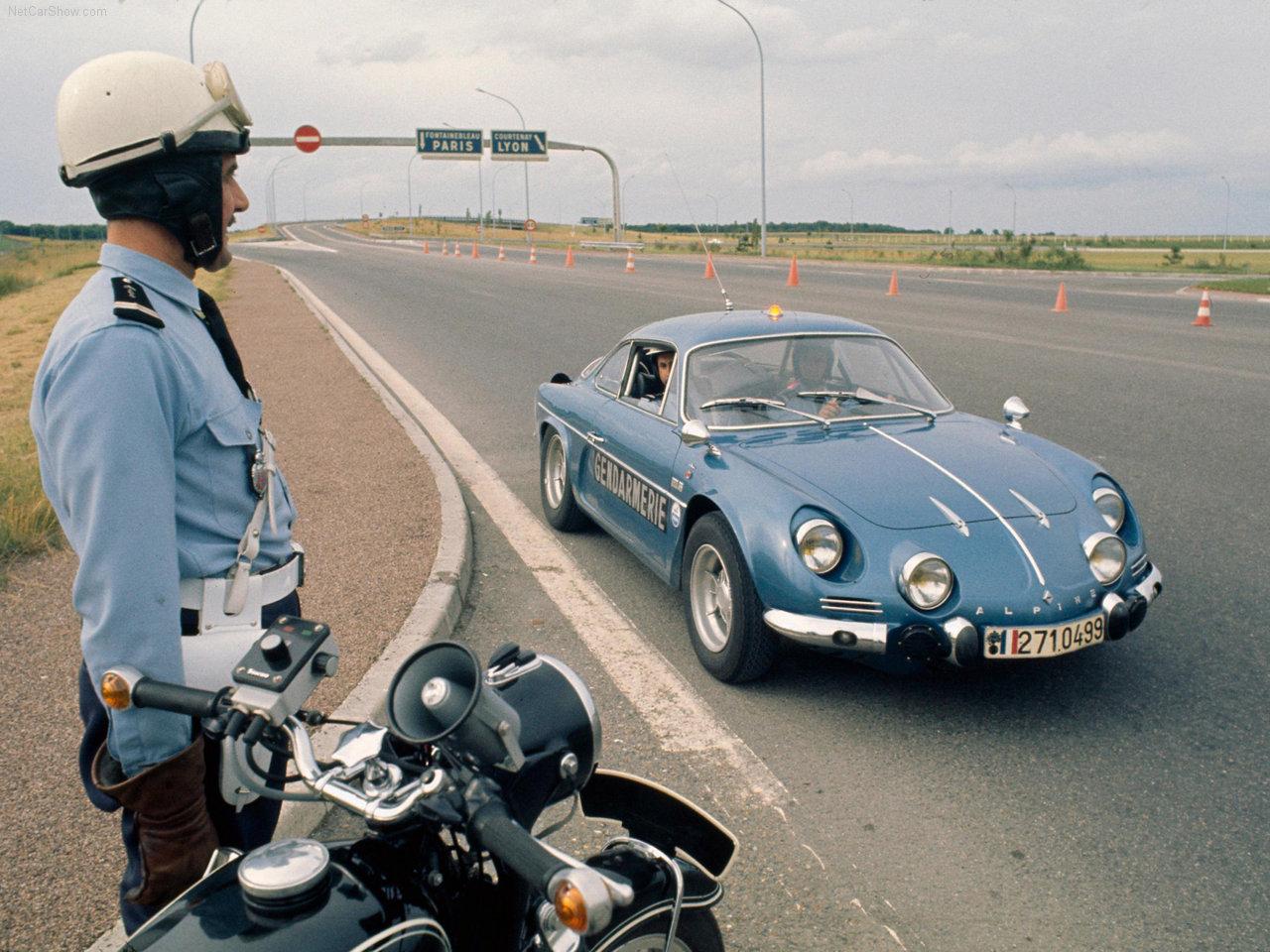 Alpine Renault A110 Gendarmerie 1970 netcarshow com Renault-Alpine_A_110-1970-1280-01