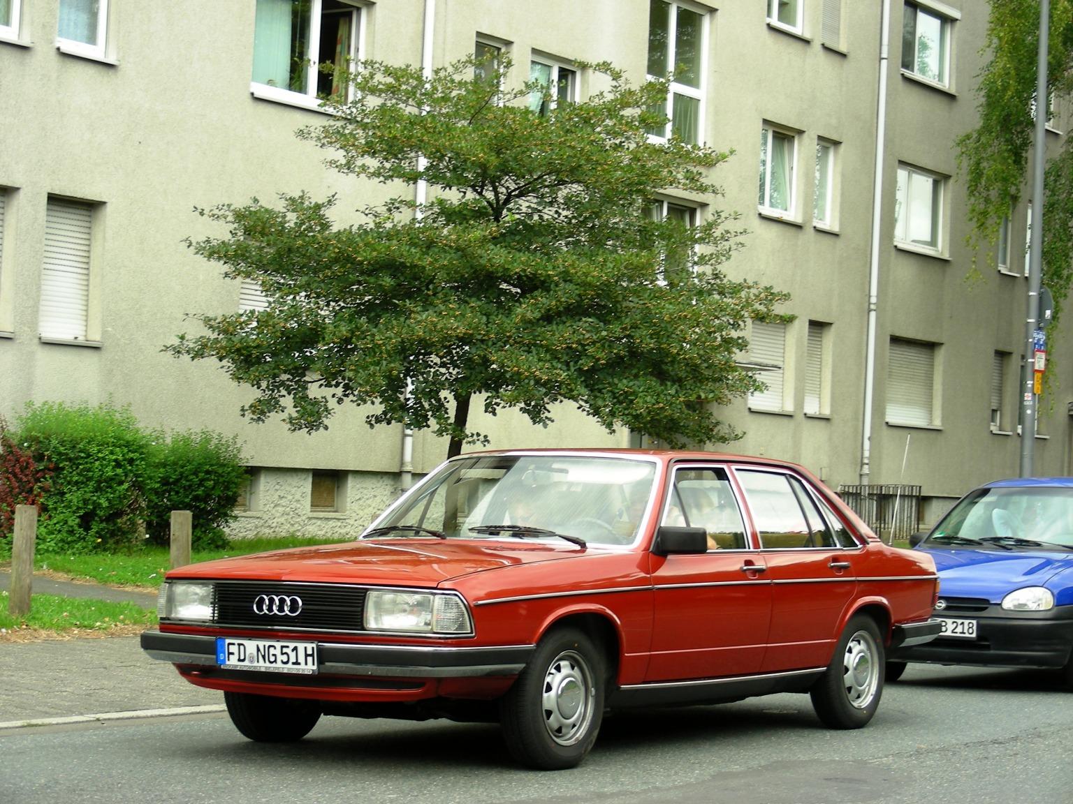 Audi 100 1980 img01