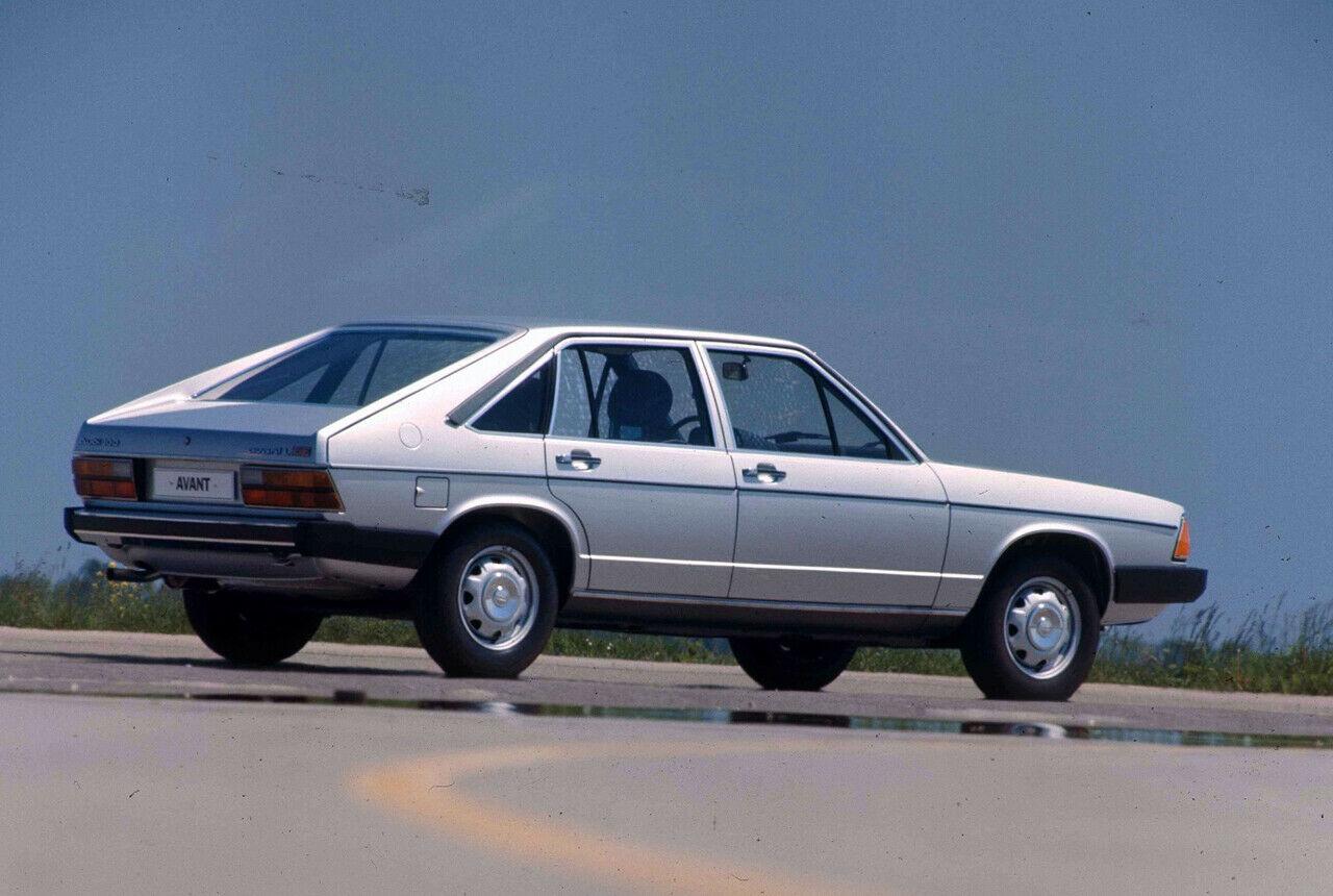 Audi 100 Avant 5E 1977 i