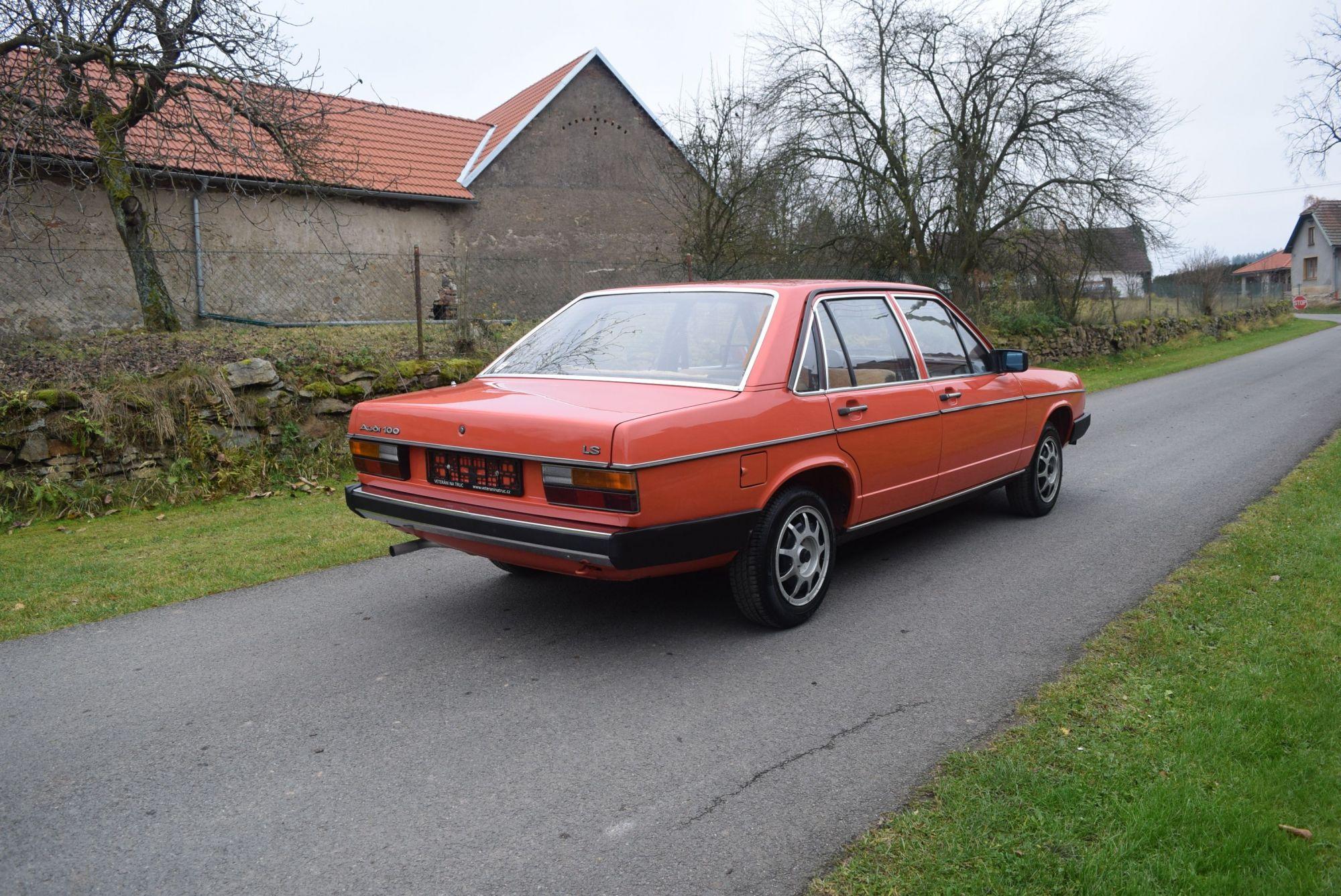Audi 100 C2 1978 veterani