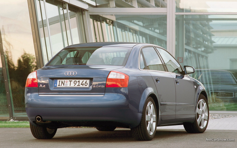 Audi A4 2002 d2bf9f59