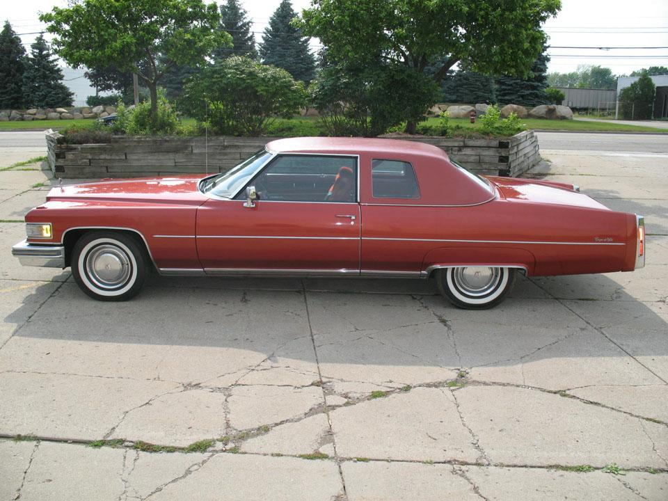 Cadillac Coupe Deville 1976 8c