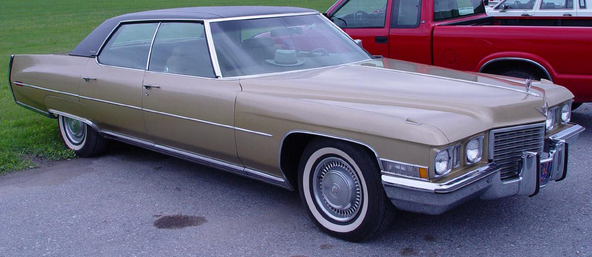 Cadillac Deville Sedan 1971 -DeVille-Front-Angle-PO 1971