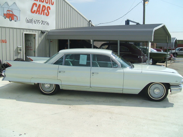 cadillac Sedan 4dr 1961 6982_4