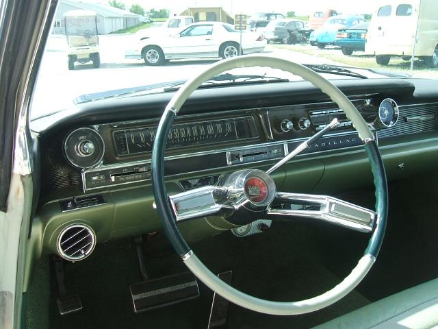 cadillac Sedan 4dr 1961 6982_6