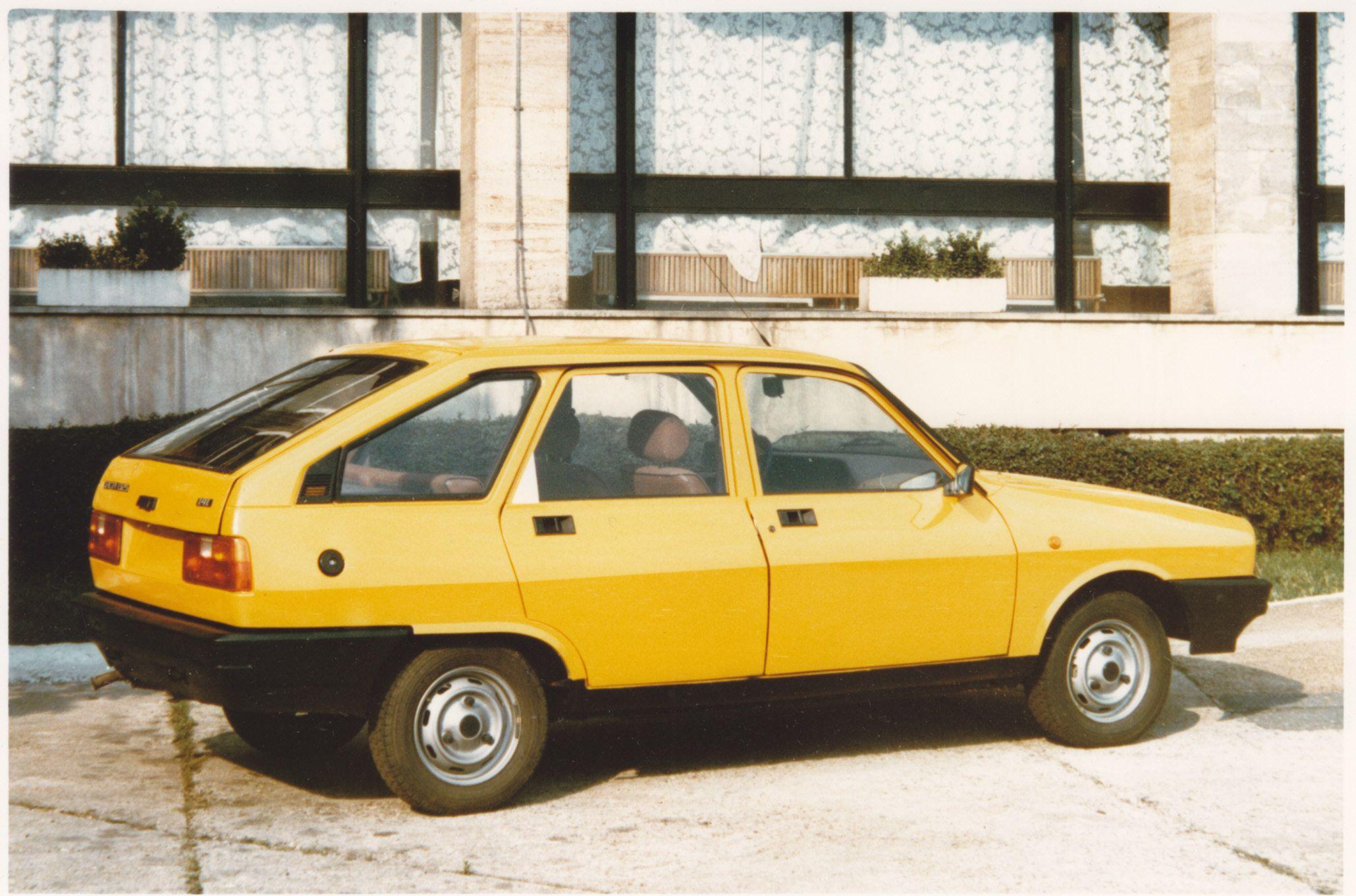 Dacia 1320 1988 pinterst com a8f1ac7811420a876011a0b6bfbb168d