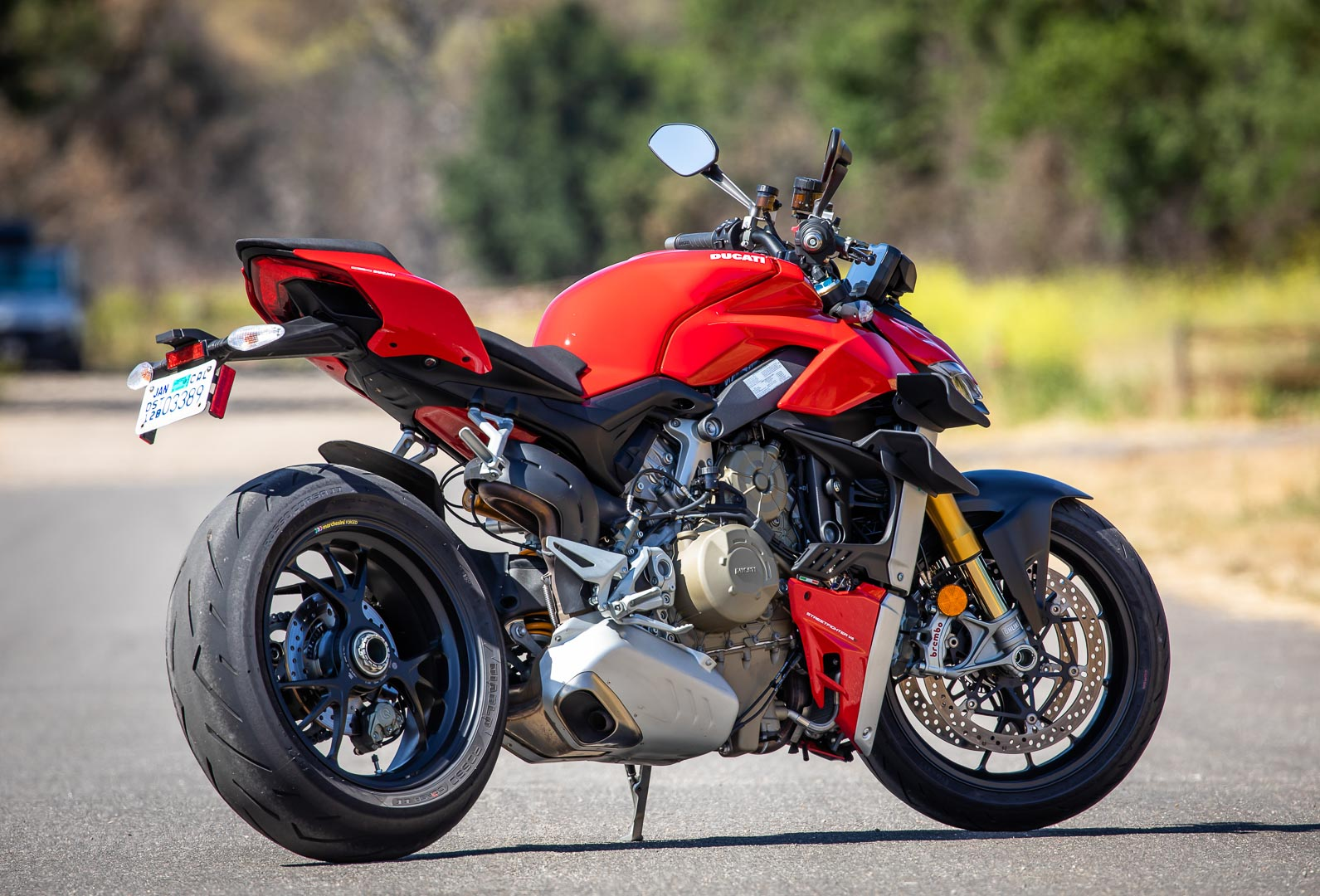 Ducati-Streetfighter-V4-S-2020 ultimatemotorcycling com Review-naked-upgright-sport-motorcycle-8