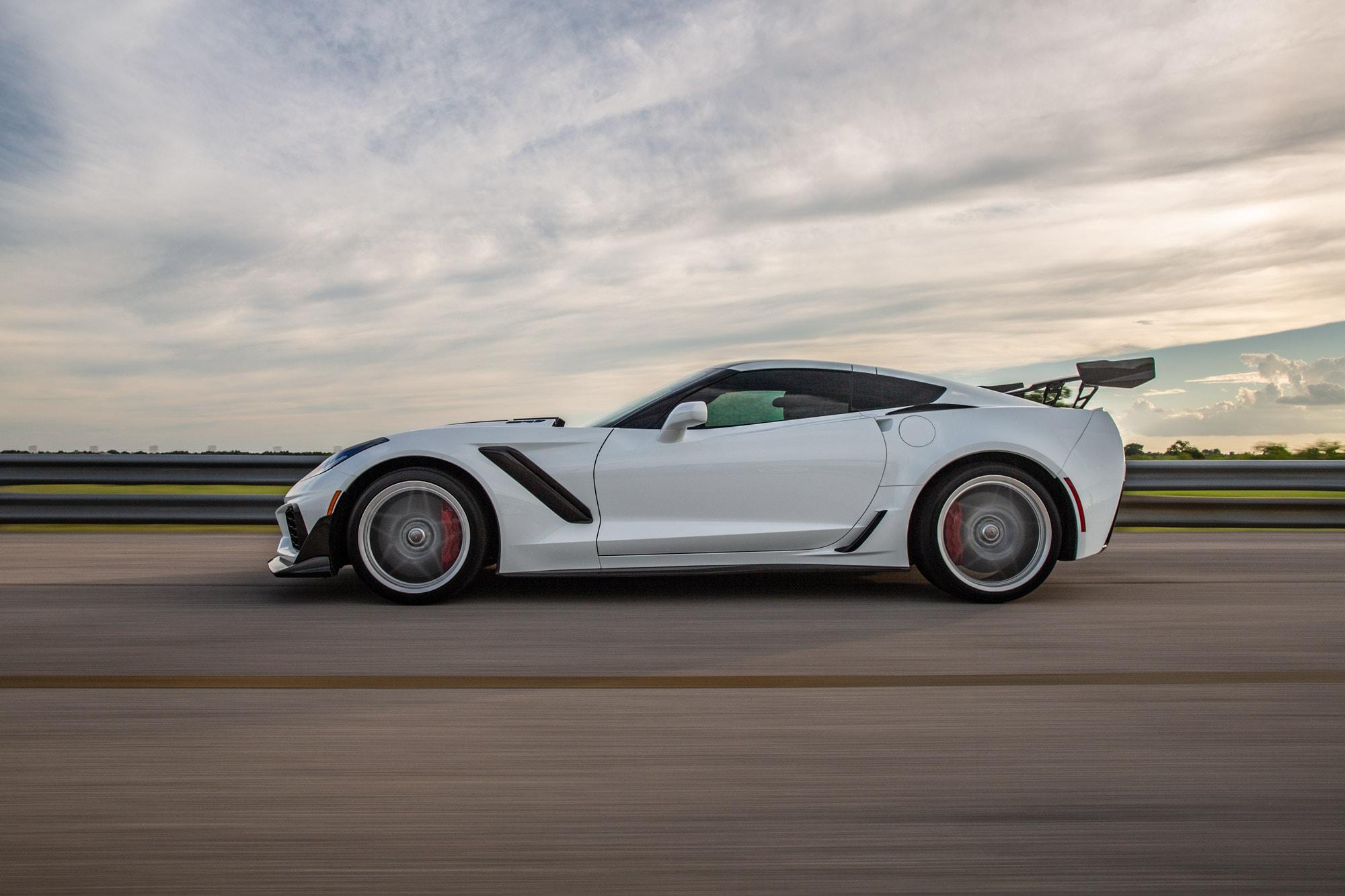 Hennessey Chevrolet Corvette ZR1 2019 ZR1-Corvette-2019-White-Hennessey5-min