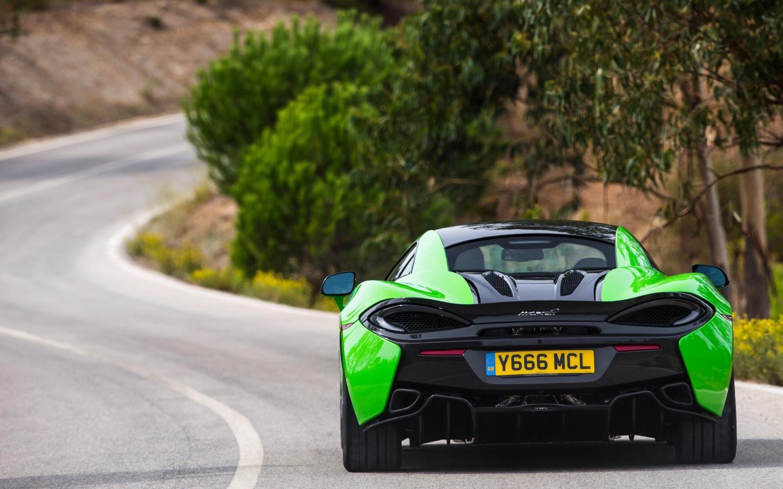 McLaren 570S 2015 mclaren_570s_rear_view_green_105384_1440x900