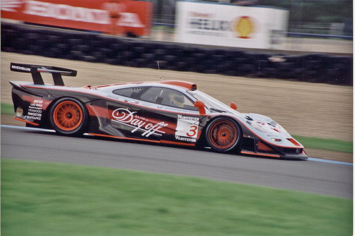 McLaren FI GTR Longtail 1997 wikimedia org Davidoff_McLaren_F1_GTR