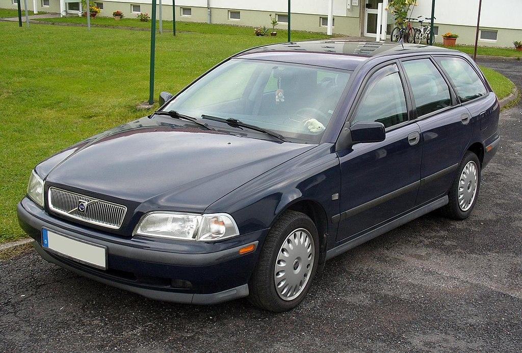 Volvo 40-series V40 1995 by Thomas Doerfer en