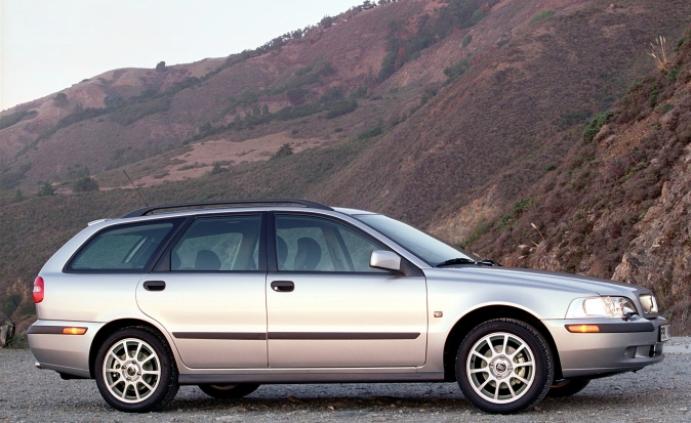 Volvo 40 V40 1995 media