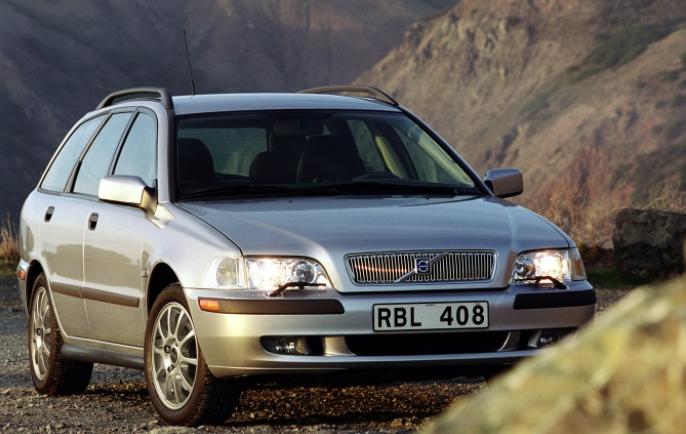 Volvo 40 V40 1996 media