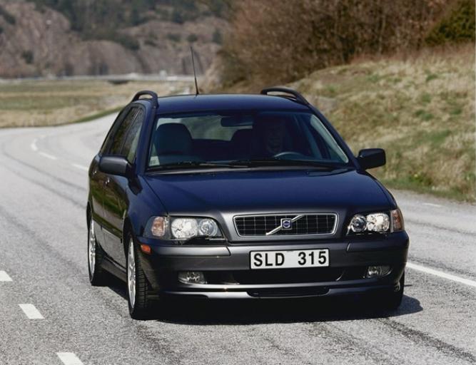 Volvo 40 V40 2003 b