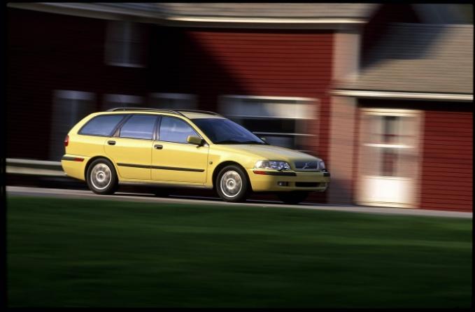 Volvo 40 V40 US Version 1995 b