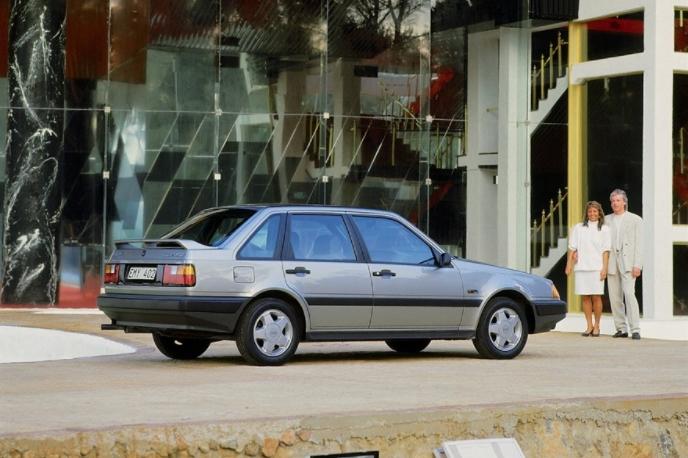Volvo 440 Turbo 1988 media