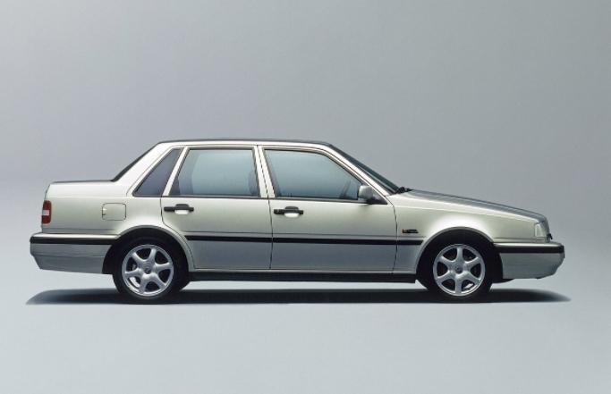 Volvo 460 1989 media