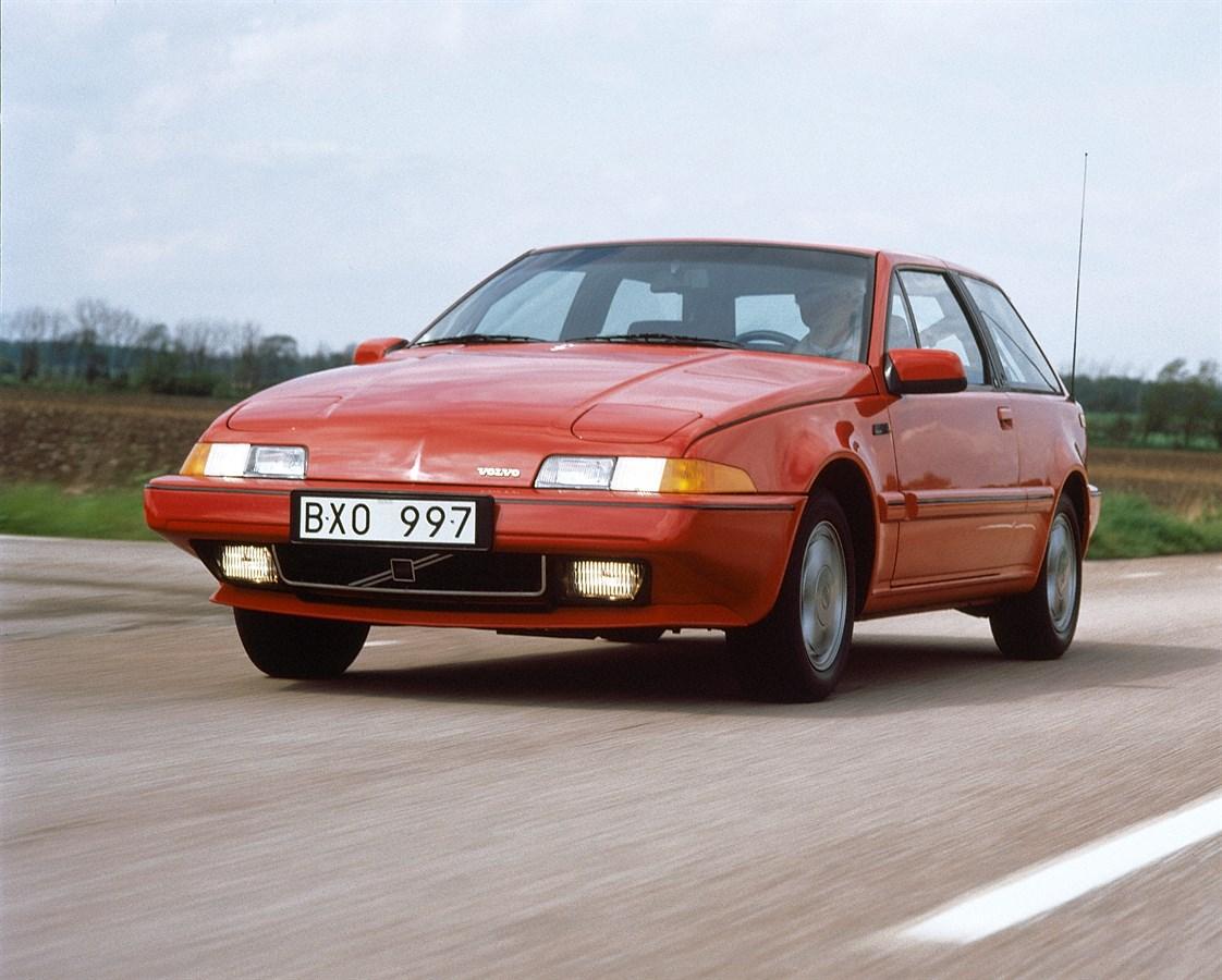 Volvo 480 Turbo 1986 media