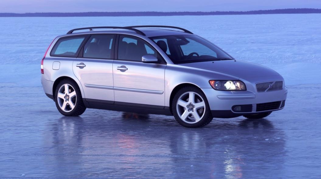 Volvo 50 V50 2004 b